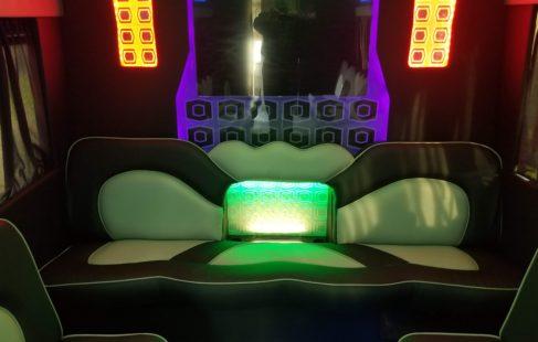 2010Ford-E450-2409-11