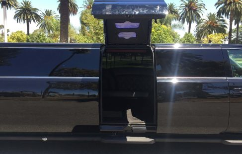 2016 black 220 chevy suburban jet door