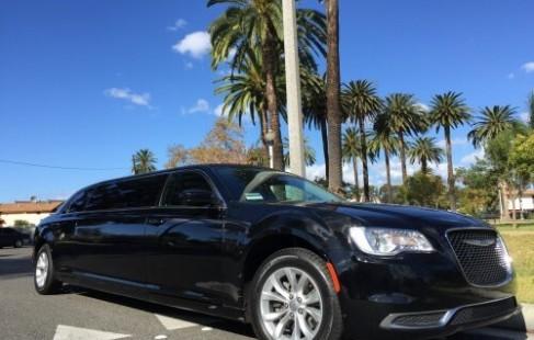 2015 70-inch chrysler limo