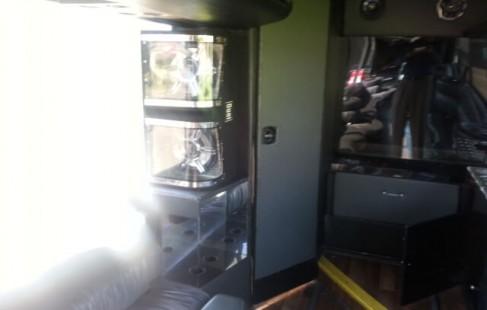 bath room vanhool 50 passenger party bus
