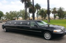 black 140-inch lincoln 2005 limo