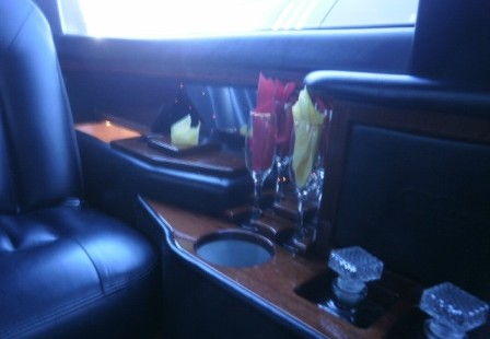 close up bar lincoln town car limo