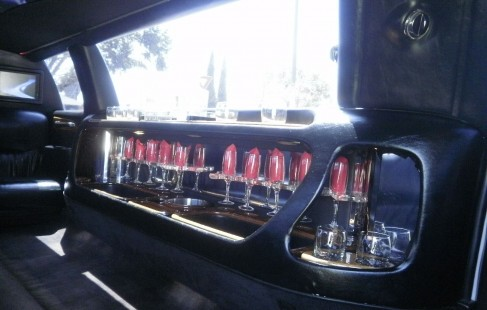 full bar lincoln limo
