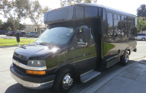 left front chevy g3500 party bus