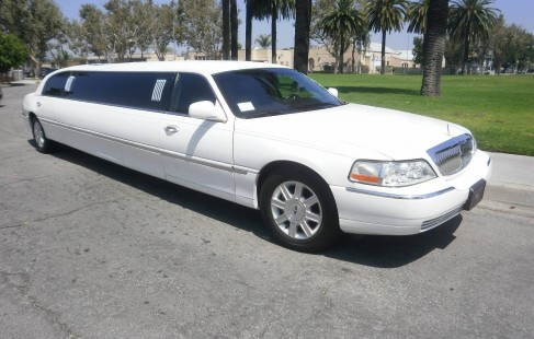 white 120-inch lincoln limo