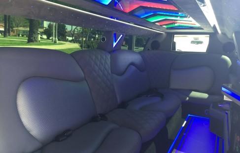 2015 black 140-inch chrysler 300 limousine j-seating