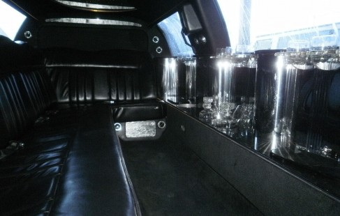 2003 black 120-inch lincoln town car limousine interior