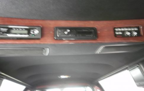 2004 lincoln town car limousine white 70-inch control panel