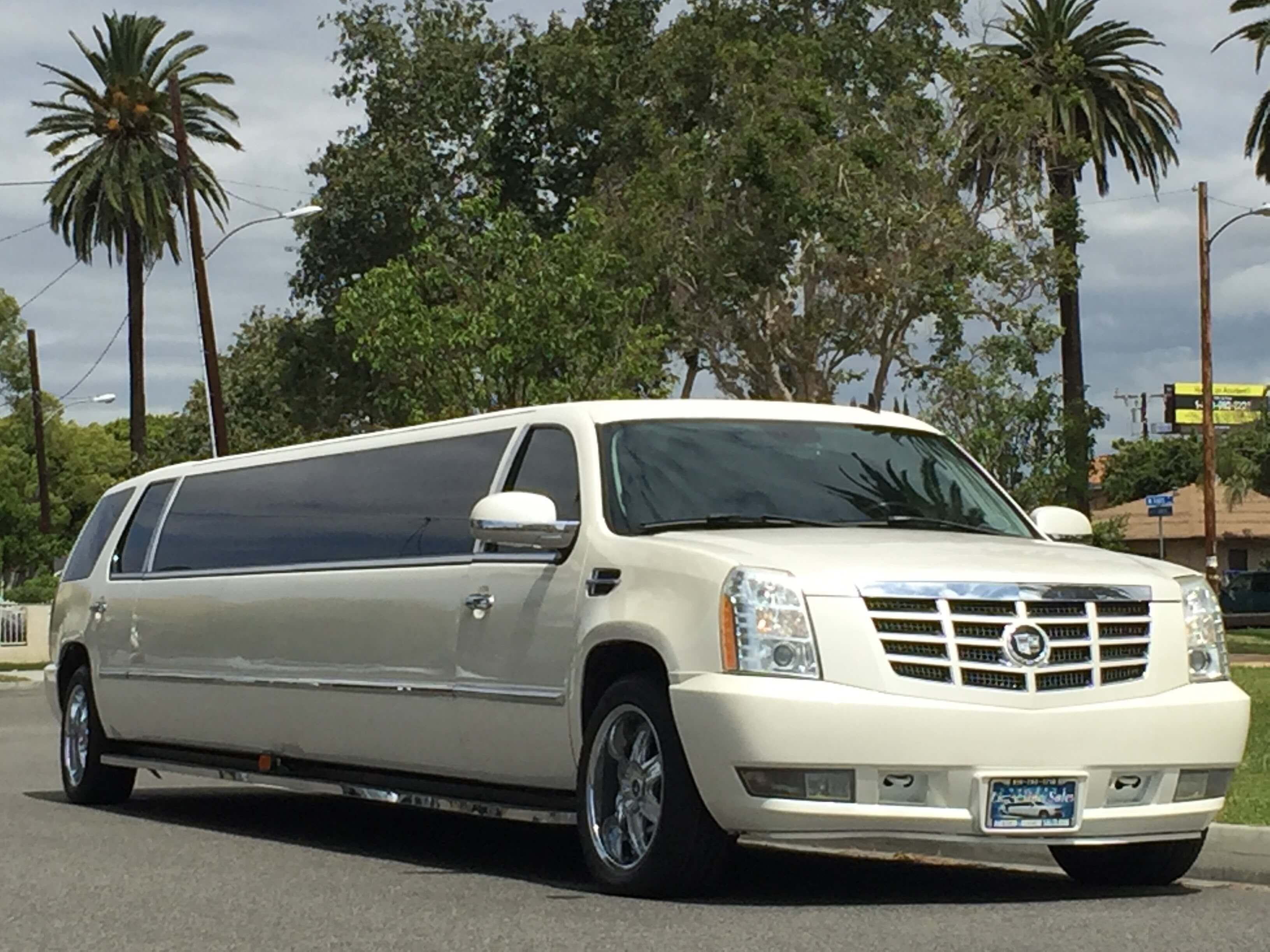 Limousine Cadillac: specifications, description and interesting features