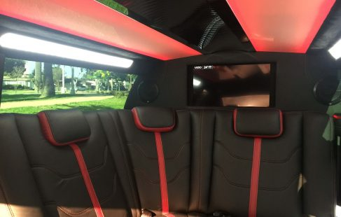black 70-inch chrysler 300 limousine #672 ceiling