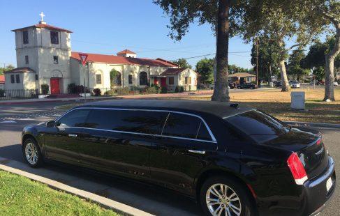 70-inch chrysler 300 limousine #672 left rear