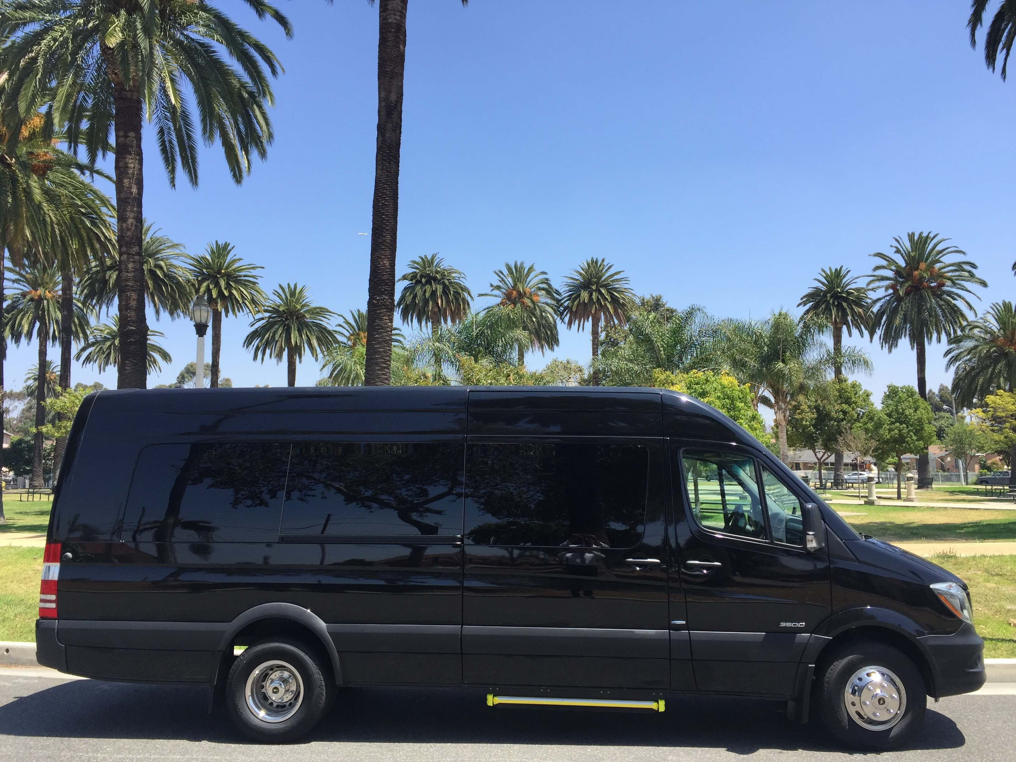 2016 mercedes benz sprinter luxury edition for Sprinter mercedes benz 2016