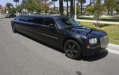 chrysler 300 black 130-inch limo