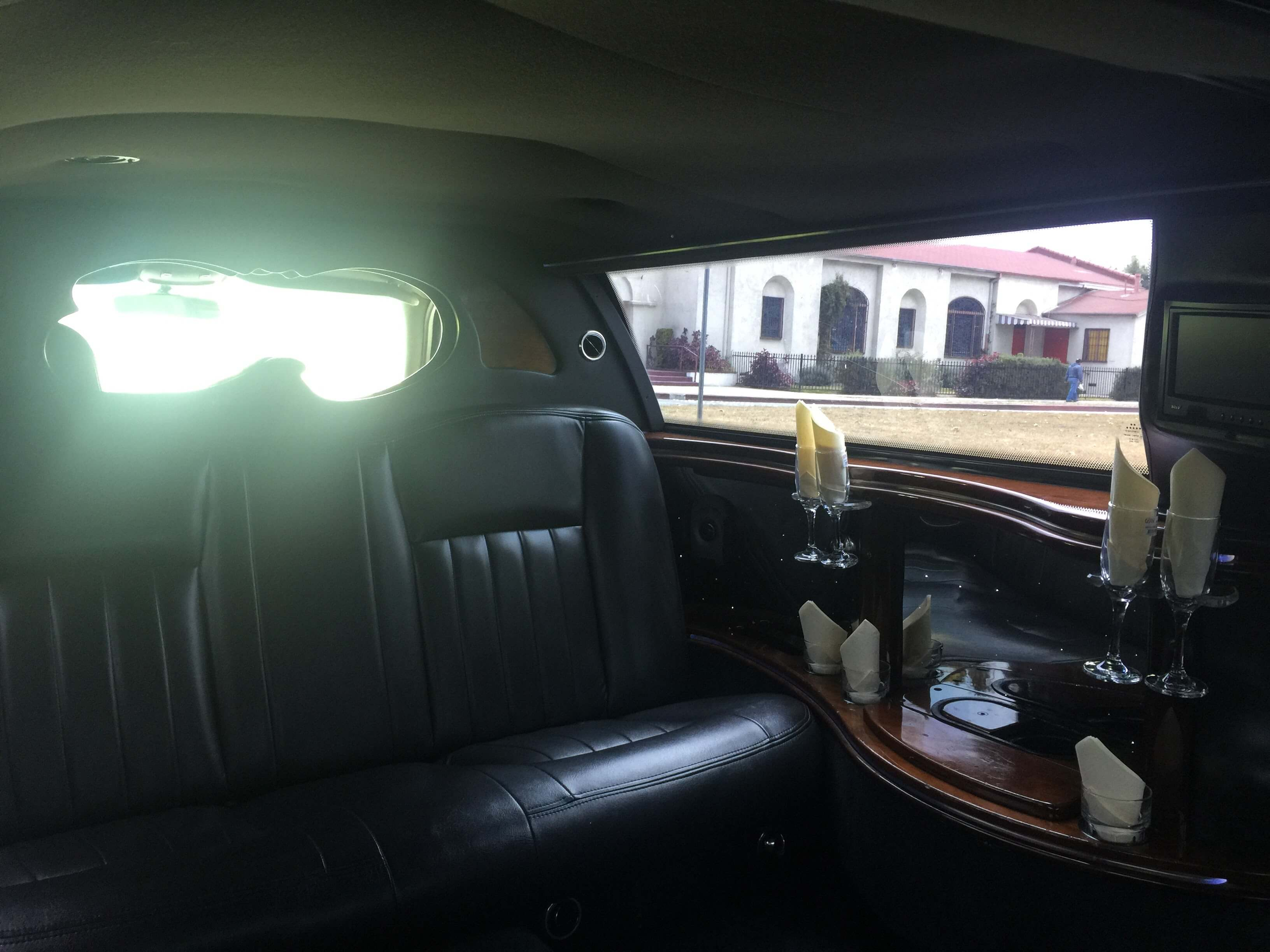 Lincoln Town Car Limousine Black 72 Inch For Sale 692