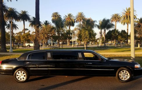 2007 black 70-inch lincoln town car by imperial