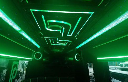 2016 black mercedes benz 3500 ceiling color change