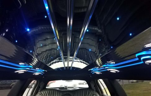 interior 120-inch 5th door lincoln town car limousine ceiling