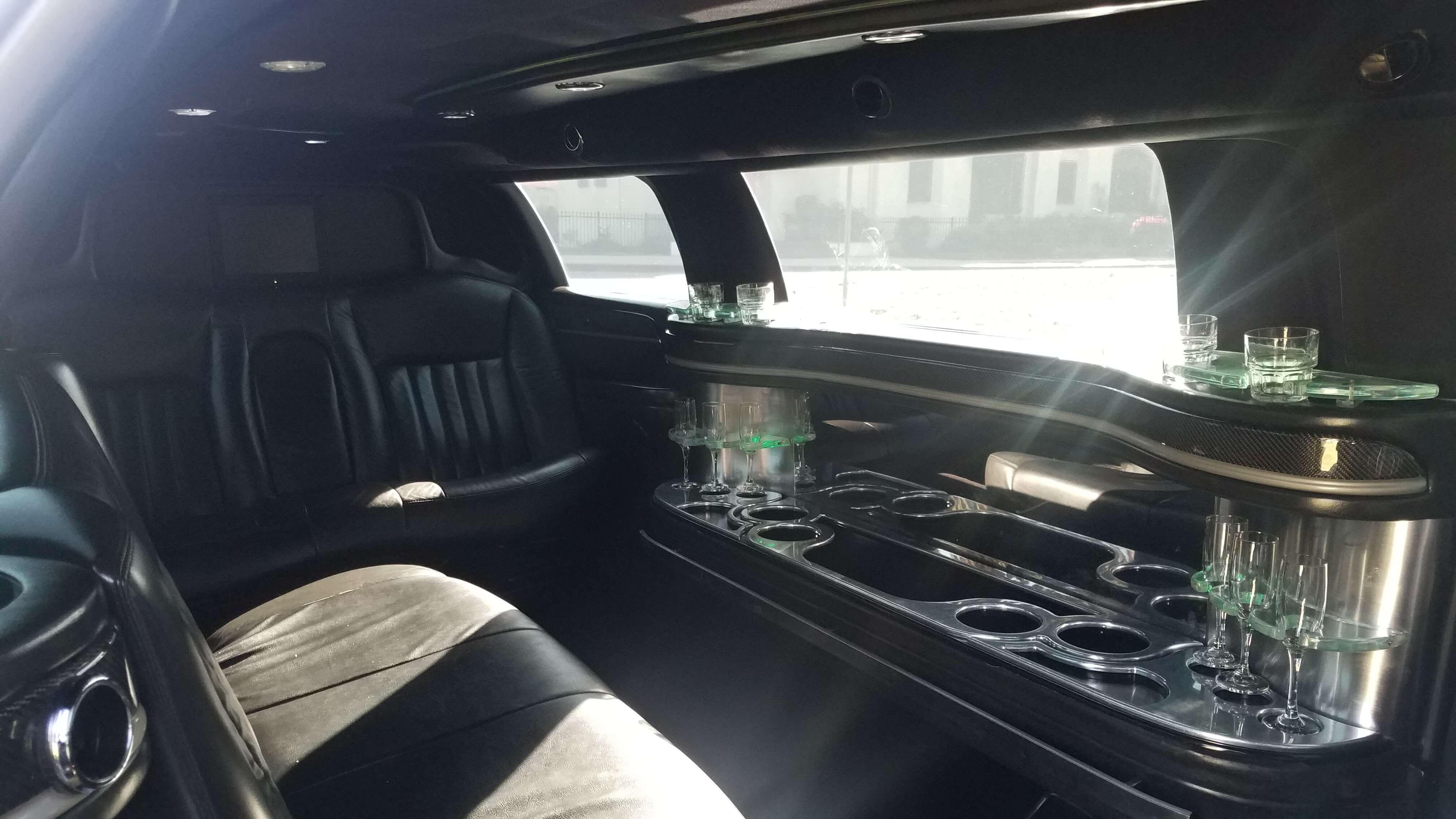 Black 120 Inch Lincoln Town Car Limousine 10899