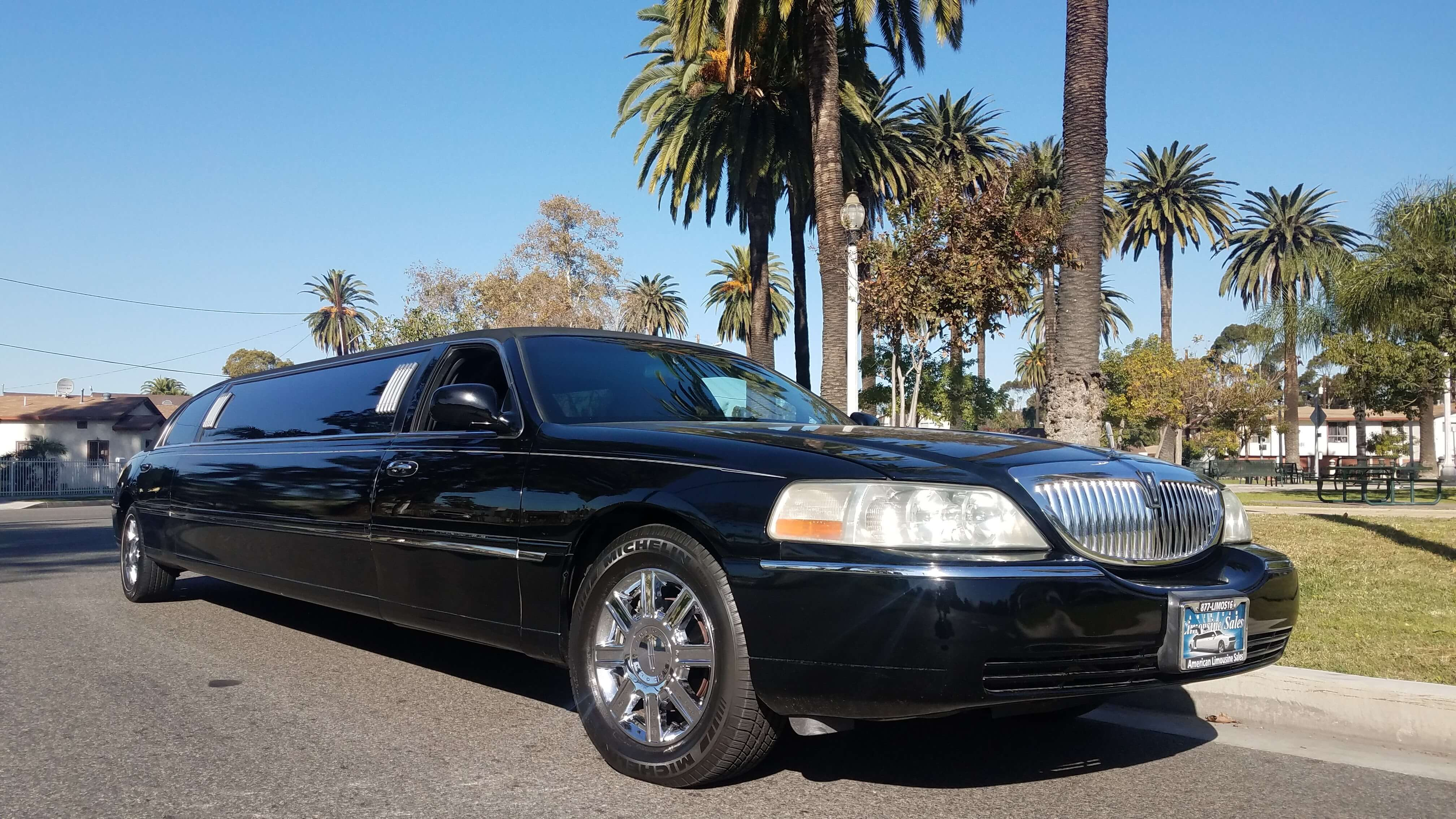 2008 Black120 Inch Lincoln Town Car Limousine For 10899