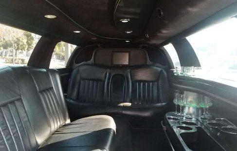 2008 black 120-inch lincoln town car limousine interior