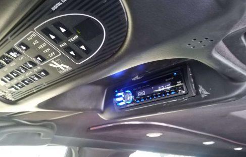 2008 black 120-inch lincoln town car overhead controls