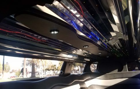 2008 cool vanilla 140-inch chrysler 300 limo ceiling