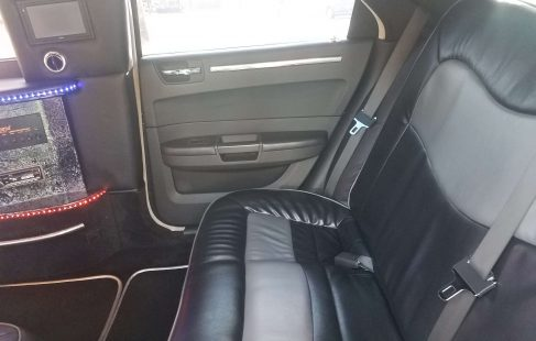 2008 cool vanilla 140-inch chrysler 300 limousine back seat right side