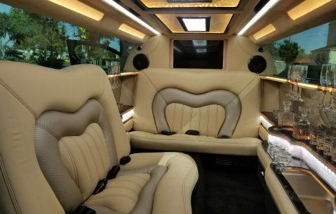 2017 black 140-inch lincoln continental limousine interior