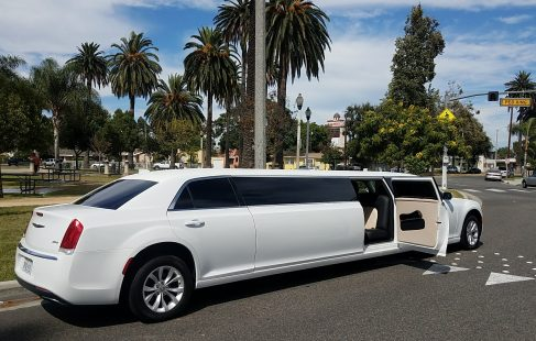 2016 White 140-inch stretch five door limited edition luxury Chrysler 300 limousine for sale #1251 with 14,500 miles