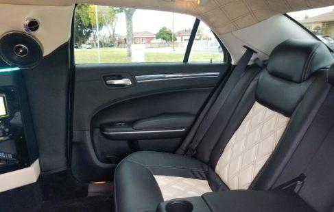 Chrysler 300 White