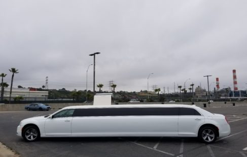 White Chrysler 300 Limo