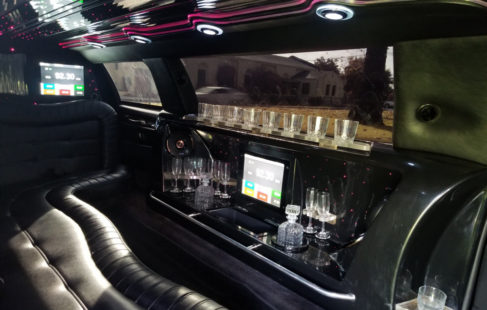limousine interior of lincoln towncar