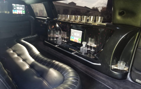 bar area of 2010 lincoln towncar limousine for sale