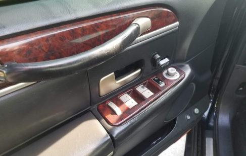 drivers door interior pictures